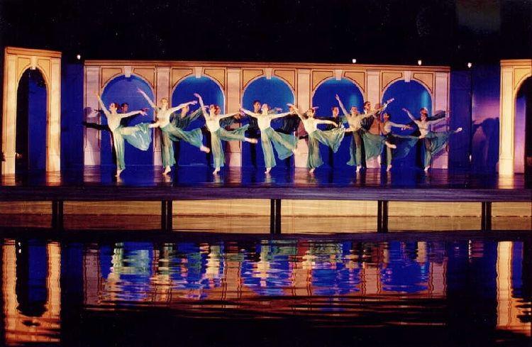 FEUER & WASSER, 2001<br> Wasserballett, Oper Halle